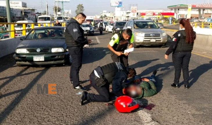 Motociclista resulta herido luego de chocar contra un auto en Morelia