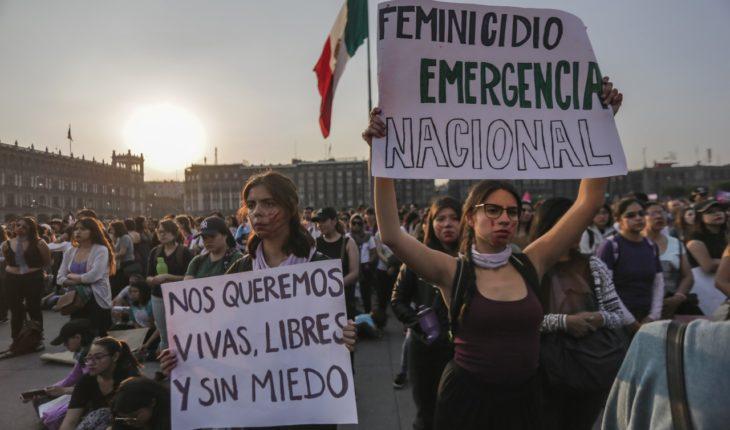 Mujeres marchan contra feminicidios e intento de secuestros en el Metro