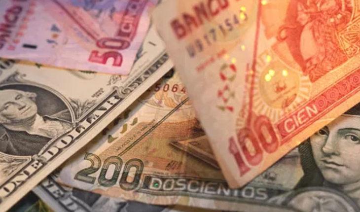 Peso se deprecia tras 9 semanas de ganancias ante el dólar