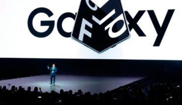 Samsung presenta teléfono con pantalla plegable