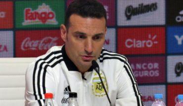 """Scaloni, de visita con el sub20 se refirió a Messi: """"Hace rato no hablo"""""""