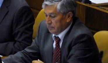 """Senador Sandoval (UDI) acusó """"errores de coordinación y comunicación"""" en incendio de Aysén"""