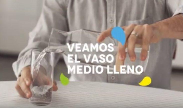 #VasoMedioLleno: la campaña de Aguas Andinas que apunta al cambio climático por cortes de suministro
