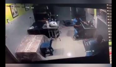 Veterinario golpea a un perro que se encontraban a su cuidado y dueño lo denuncia (Video)