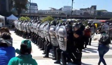 """Incidentes con la policía por """"verdurazo"""" en Constitución"""
