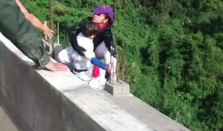 Commotion in Colombia: a woman took his life by throwing himself vacuum with his son