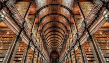 Cuál es el libro más robado del mundo y otros 9 datos sorprendentes sobre las bibliotecas