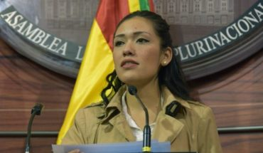 Daughter of Chilean became the President of the Senate youngest in Bolivia