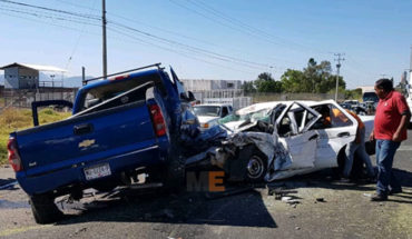 Died in Zamora, Michoacán, a taxi driver and four passengers are injured in a crash