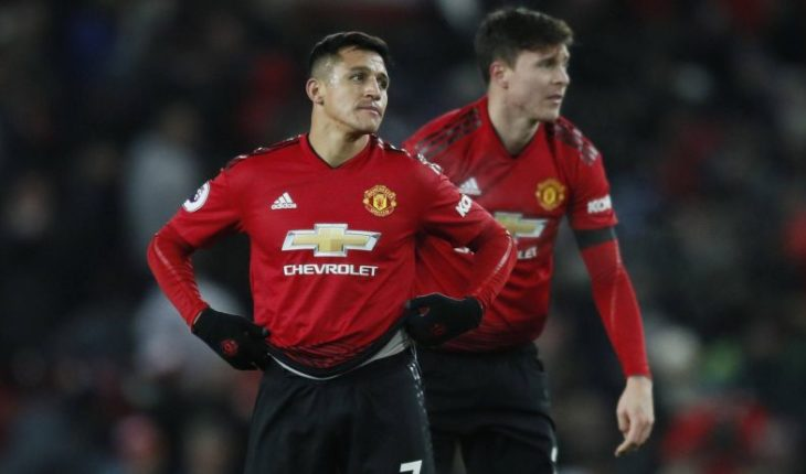 English press shattered the performance of Alexis Sánchez in the Champions League