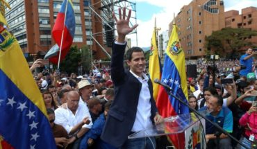 "Guaidó advirtió a militares venezolanos de que tienen dos días para ""ponerse del lado de Constitución"""