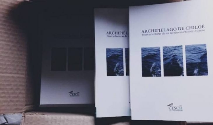 """Launch book """"Archipelago of Chiloé"""" at Centro Cultural de Castro"""