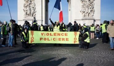 Policía lanza gas lacrimógeno a manifestantes en París