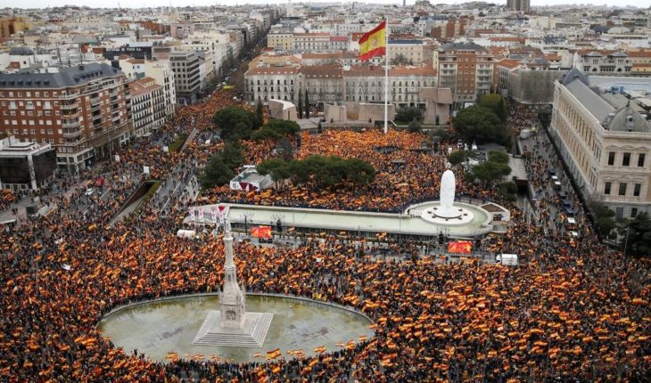Right manifests itself in Madrid, calls for resignation of Sanchez