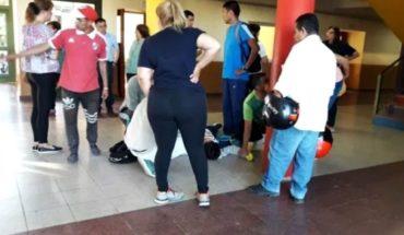 Santiago del Estero: alumno de 14 años atacó con un cuchillo a vicedirectora