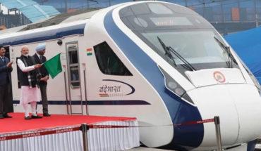 Tren de alta velocidad de la India choca contra una vaca en su viaje inaugural