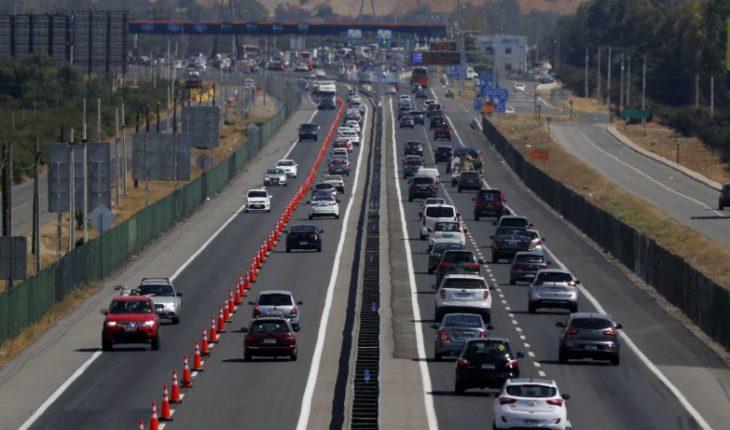 Unos 332 mil vehículos regresarán a Santiago este fin de semana