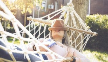 Why swing can help you to sleep better (even if they're adult)