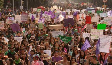 ¡Ni una sola menos! Mujeres marchan en la CDMX