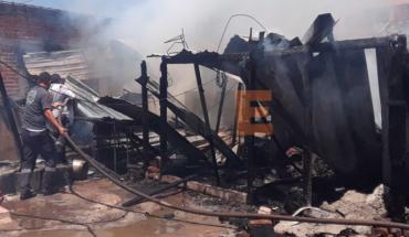 2 viviendas se incendian en la colonia Lomas de Palmira en Apatzingán