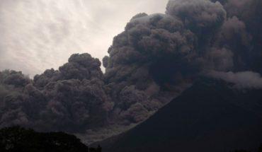Alerta sobre aumento de actividad del volcán de Fuego en Guatemala