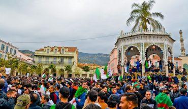 Movilización ciudadana contra la presentación de la candidatura de Abdelaziz Buteflika para un quinto mandato en Argelia. Foto: Fethi Hamlati (Wikimedia Commons / CC BY-SA 4.0).