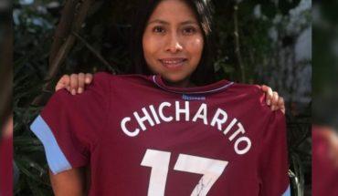 Chicharito Hernández envía playera del West Ham a Yalitza Aparicio