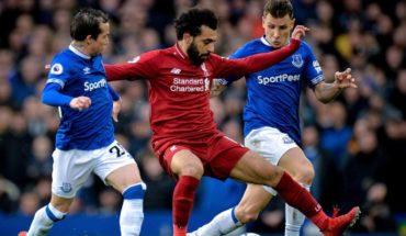 El Liverpool empata con el Everton y cede el liderato al City