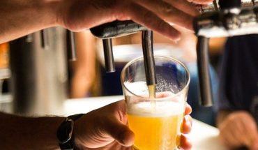 El alcohol puede prevenir la muerte dependiendo de la edad que tengas, afirma estudio