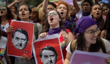 El movimiento feminista toma las calles de Brasil y repudia a Bolsonaro