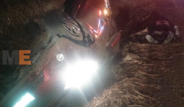 Fallece al volcar su auto en la carretera Quiroga-Zacapu