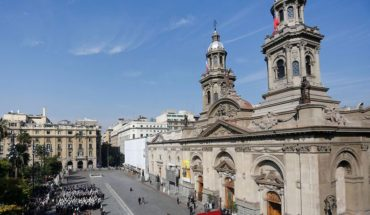 """Iglesia anunció """"revisión exhaustiva"""" de denuncia de violación en la Catedral de Santiago"""
