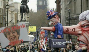 Miles de británicos se manifiestan contra el Brexit