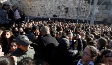 """Mujeres judías se enfrentan por los """"derechos de oración"""", en Jerusalén"""