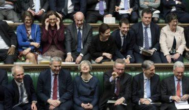 Parlamento británico frena tercer intento de votación de May