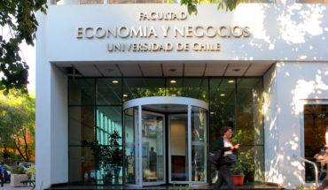 Profesionales de todo el país podrán capacitarse en los diplomados online de la Universidad de Chile