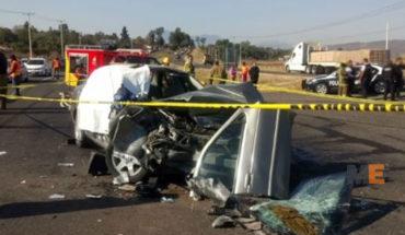 Un muerto y tres heridos en choque de auto contra tráiler, en la carretera Morelia - Pátzcuaro Un muerto y tres heridos en choque de auto contra tráiler, en la carretera Morelia