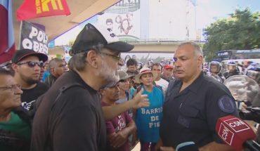 Corte en Puente Pueyrredón: tensión entre la policía y los manifestantes