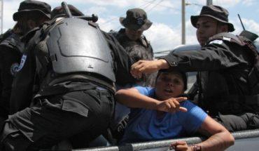 """más de 100 detenidos y duras críticas a la """"violencia y represión"""" de la policía en protesta contra el gobierno"""