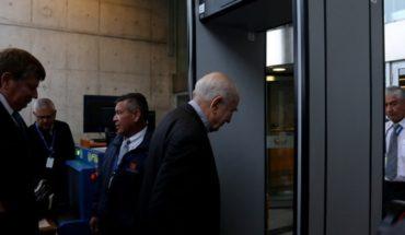 Ahora le toca a Errázuriz: cardenal declara ante la Fiscalía como imputado por encubrimiento de abusos sexuales
