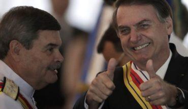 Alentados por Bolsonaro, militares celebran último golpe