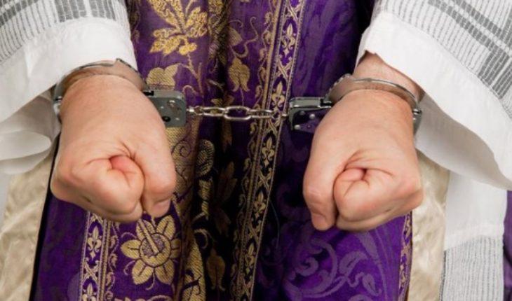 Cerca de 400 religiosos acusados de pederastia en el estado de Illinois