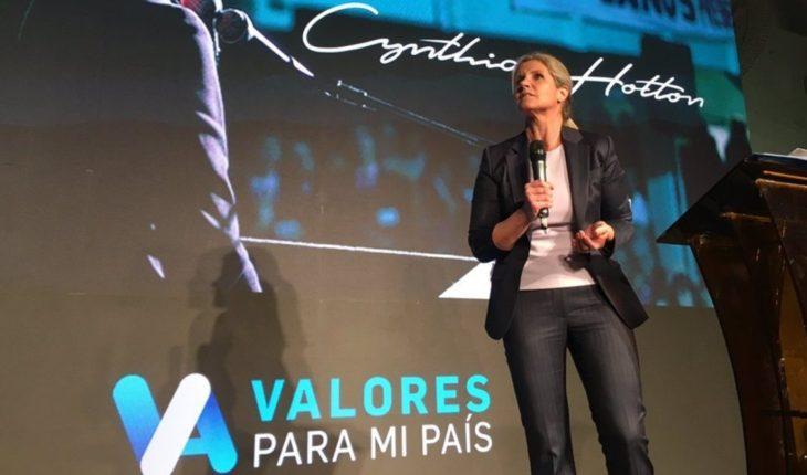 """Cynthia Hotton relanzó """"Valores para mi País"""", el partido político """"provida"""""""