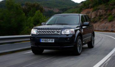 El príncipe Felipe de 97 años chocó con su Land Rover