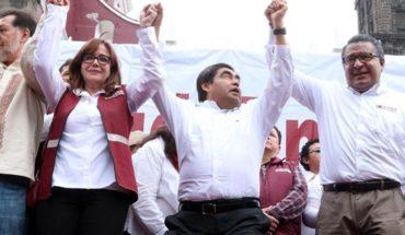 Eligen a Miguel Barbosa como candidato de Morena en Puebla
