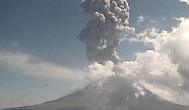 Explosión de volcán Popocatépetl destruye domo y cae ceniza