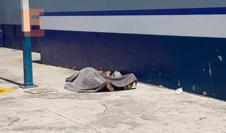 Indigente fallece en estacionamiento de la Central Camionera de Zamora