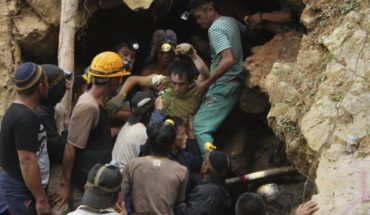 Indonesia unknown number buried after landslide at mine