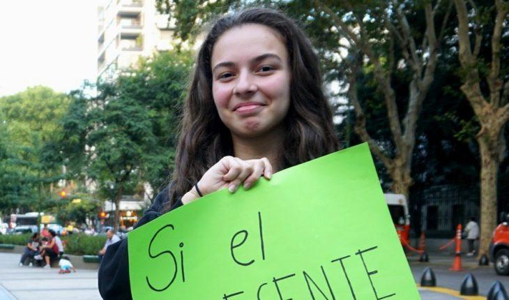 Jóvenes exigen acciones contra cambio climático