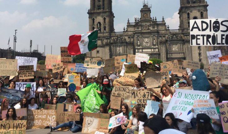 Jóvenes mexicanos se unen al #FridayForFuture